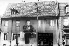 100_1928